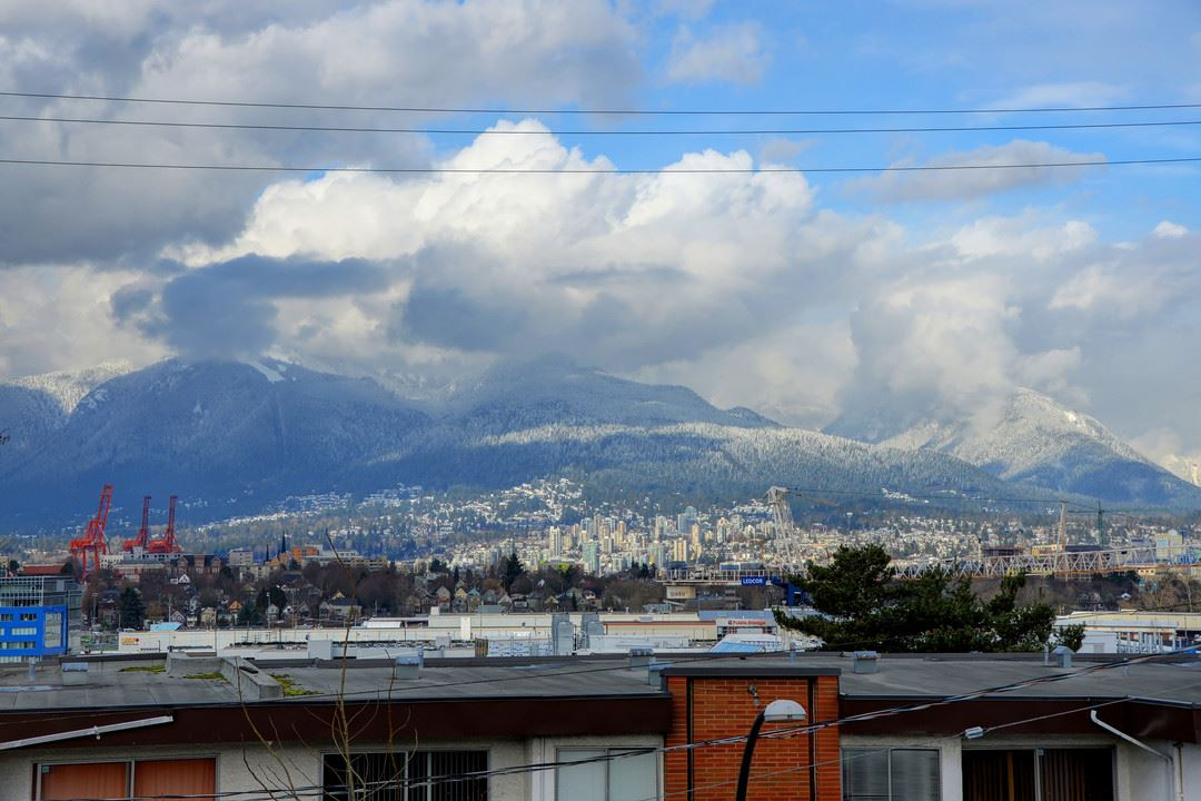 "Photo 16: 302 444 E 6TH Avenue in Vancouver: Mount Pleasant VE Condo for sale in ""Terrace Heights"" (Vancouver East)  : MLS® # R2144460"