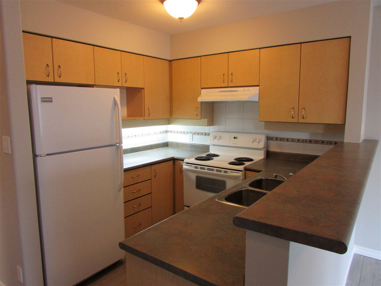 "Photo 6: 315 522 SMITH Avenue in Coquitlam: Coquitlam West Condo for sale in ""SEDONA"" : MLS(r) # R2148678"