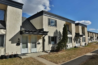Main Photo: 218 11421 34 Street in Edmonton: Zone 23 Townhouse for sale : MLS® # E4057783