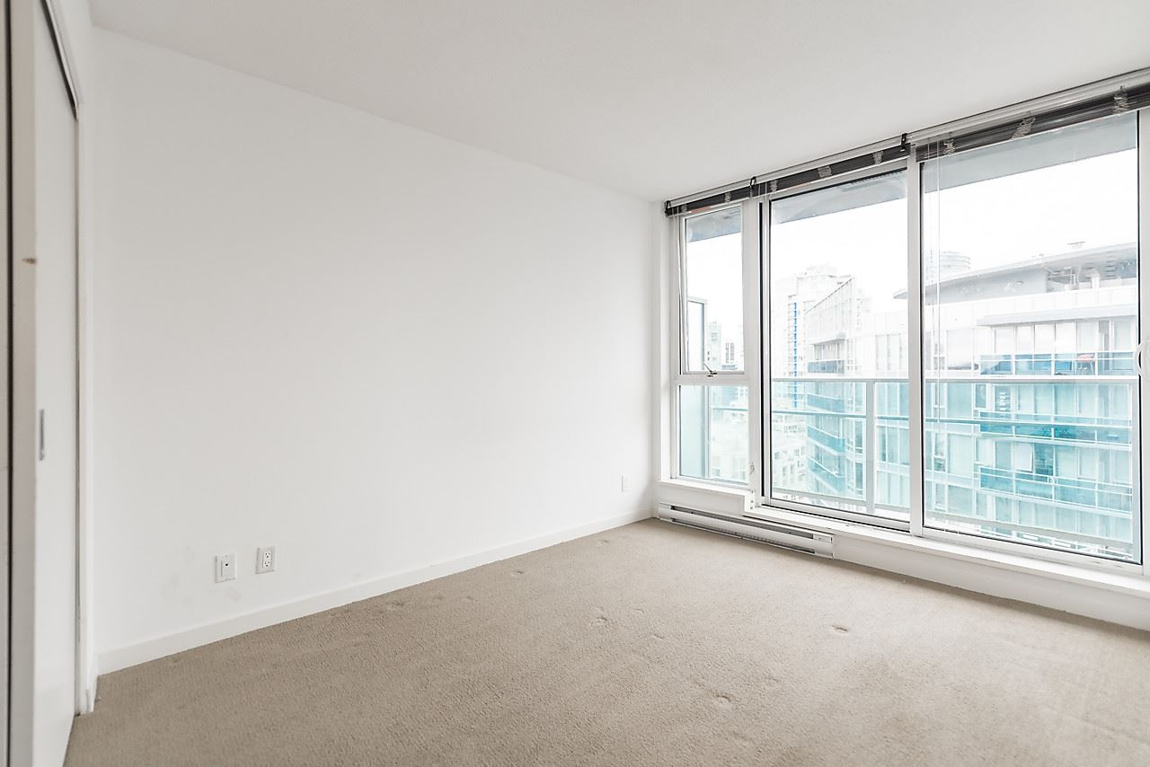 "Photo 8: 2601 233 ROBSON Street in Vancouver: Downtown VW Condo for sale in ""TV TOWER 2"" (Vancouver West)  : MLS® # R2156581"