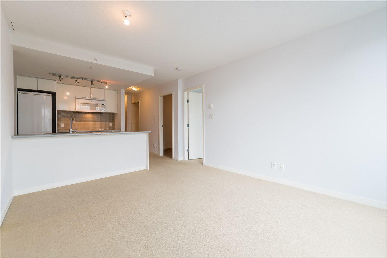 "Photo 5: 2601 233 ROBSON Street in Vancouver: Downtown VW Condo for sale in ""TV TOWER 2"" (Vancouver West)  : MLS® # R2156581"