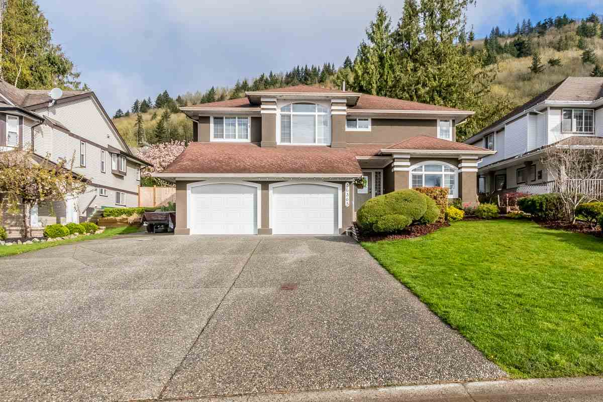 "Main Photo: 36365 SANDRINGHAM Drive in Abbotsford: Abbotsford East House for sale in ""Sumas Mountain"" : MLS®# R2159225"