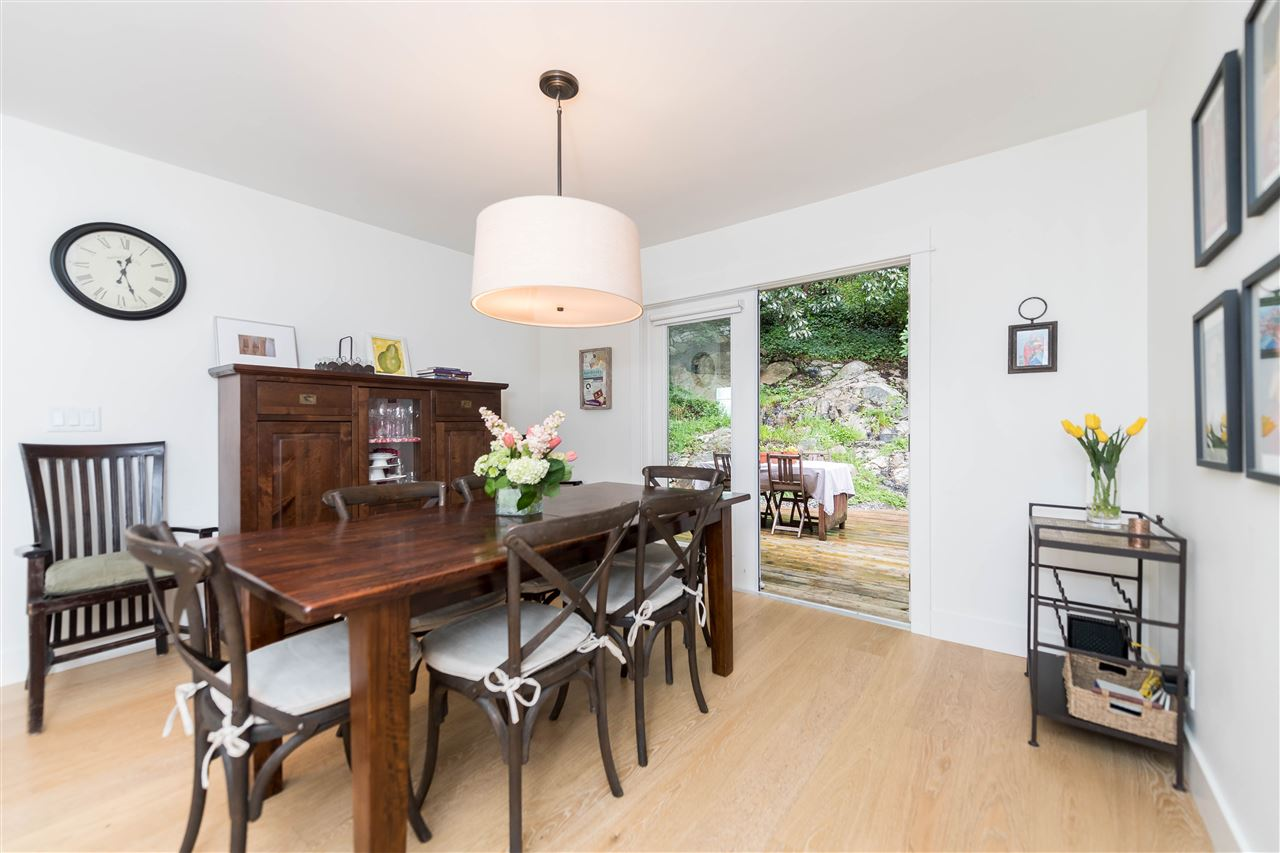 Photo 10: 5764 CRANLEY Drive in West Vancouver: Eagle Harbour House for sale : MLS(r) # R2163902