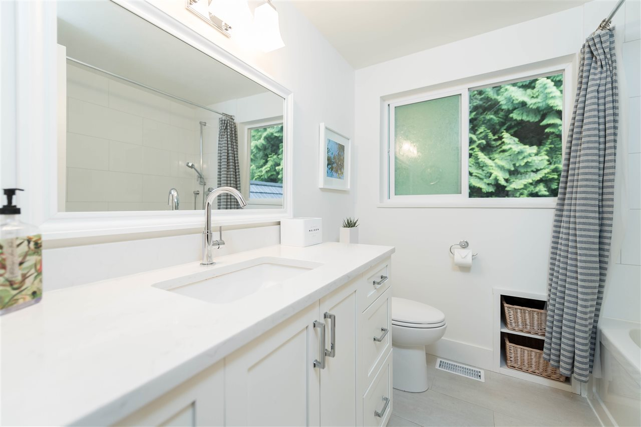 Photo 20: 5764 CRANLEY Drive in West Vancouver: Eagle Harbour House for sale : MLS(r) # R2163902