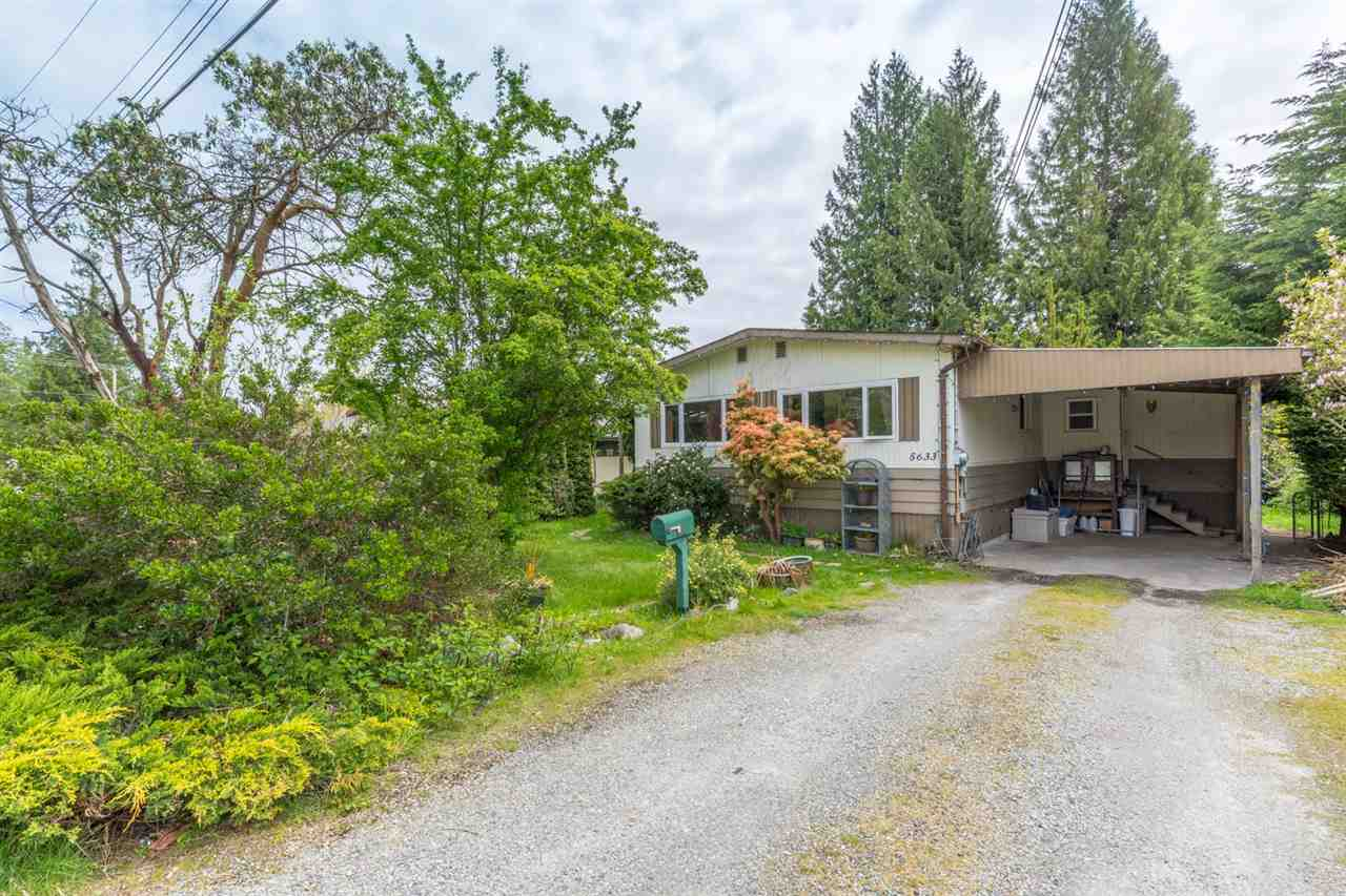 "Main Photo: 5633 CREEKSIDE Place in Sechelt: Sechelt District Manufactured Home for sale in ""WEST SECHELT"" (Sunshine Coast)  : MLS® # R2165580"
