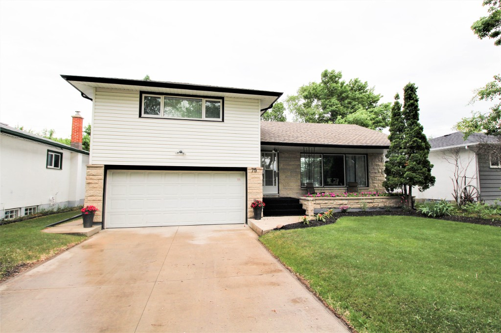 Main Photo: Winnipeg Home For Sale in Garden City