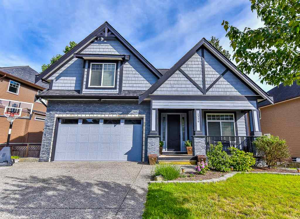 "Main Photo: 2346 MERLOT Boulevard in Abbotsford: Aberdeen House for sale in ""PEPIN BROOK VINEYARD ESTATES"" : MLS® # R2175065"
