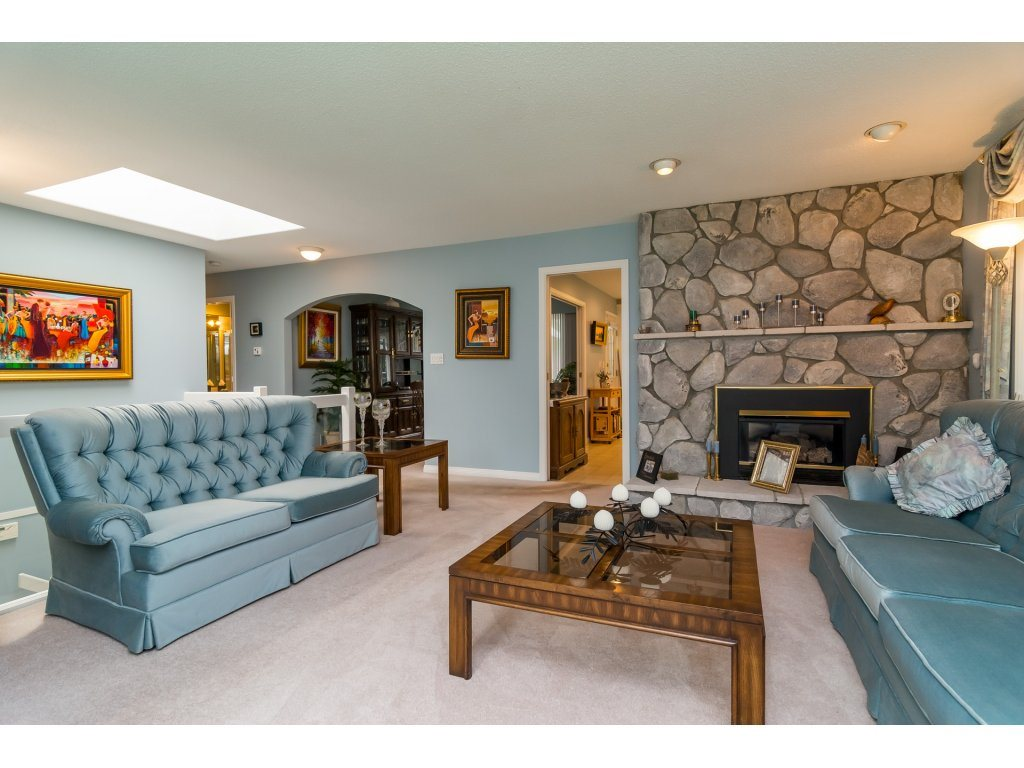 Livingroom and Gas Fireplace