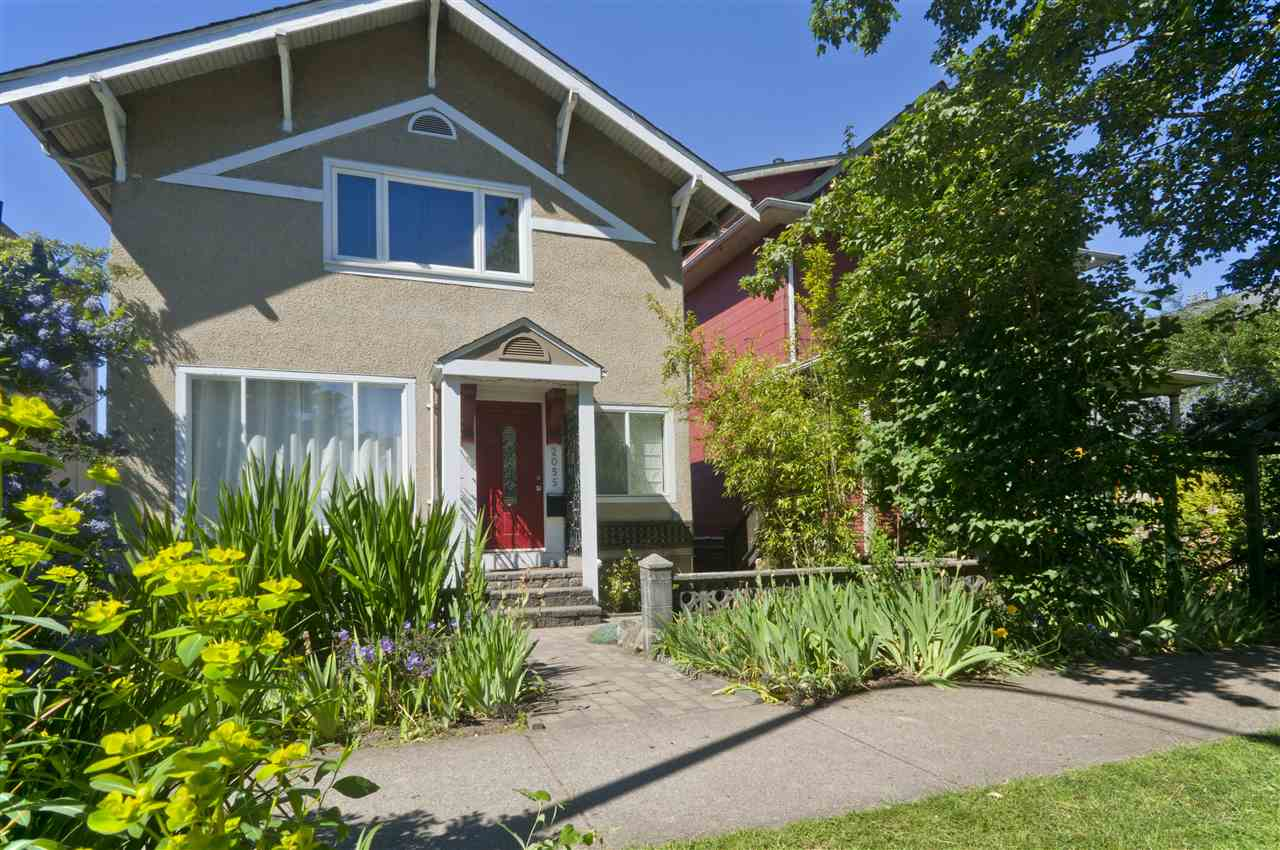 Main Photo: 2055 VENABLES Street in Vancouver: Hastings House for sale (Vancouver East)  : MLS(r) # R2180041