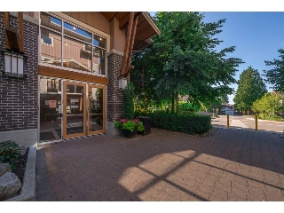 "Main Photo: 118 5775 IRMIN Street in Burnaby: Metrotown Condo for sale in ""MacPherson Walk"" (Burnaby South)  : MLS(r) # R2190035"