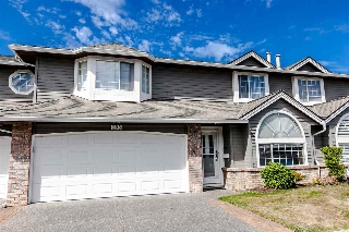 "Main Photo: 108 6109 W BOUNDARY Drive in Surrey: Panorama Ridge Townhouse for sale in ""Lakewood Gardens"" : MLS® # R2197585"