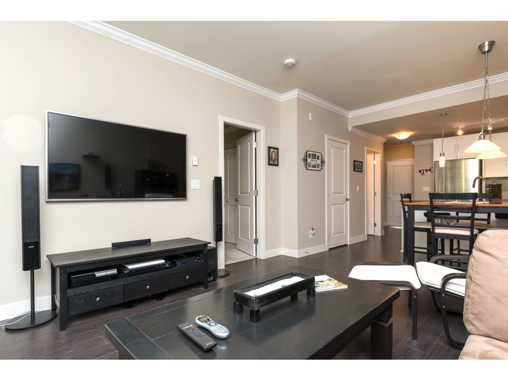 "Photo 7: 207 14358 60 Avenue in Surrey: Sullivan Station Condo for sale in ""Latitude"" : MLS® # R2205250"