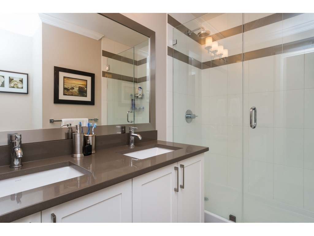 "Photo 12: 207 14358 60 Avenue in Surrey: Sullivan Station Condo for sale in ""Latitude"" : MLS® # R2205250"