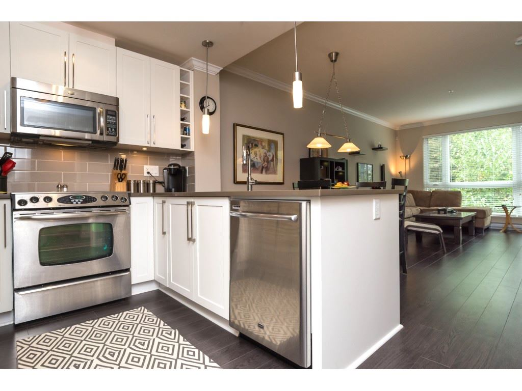 "Photo 3: 207 14358 60 Avenue in Surrey: Sullivan Station Condo for sale in ""Latitude"" : MLS® # R2205250"