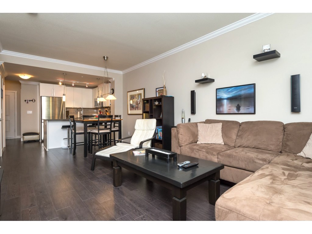 "Photo 6: 207 14358 60 Avenue in Surrey: Sullivan Station Condo for sale in ""Latitude"" : MLS® # R2205250"