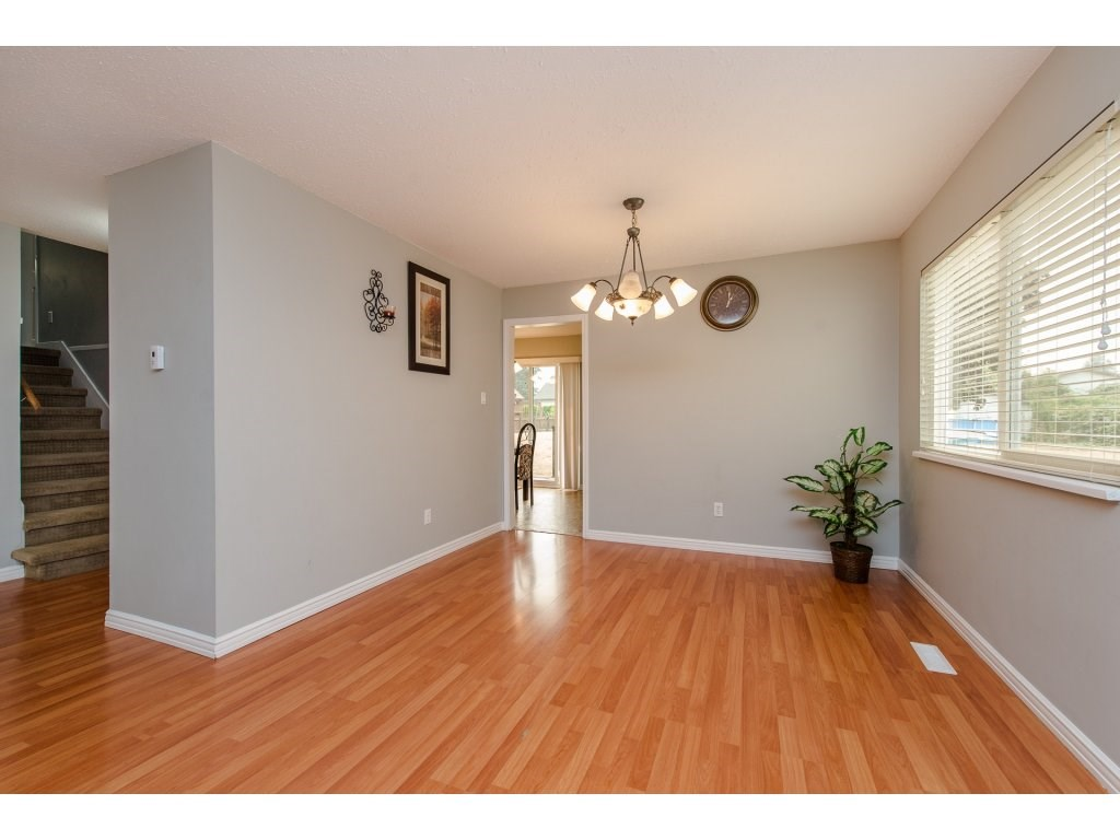 Photo 6: 32356 ADAIR Avenue in Abbotsford: Abbotsford West House for sale : MLS® # R2205507