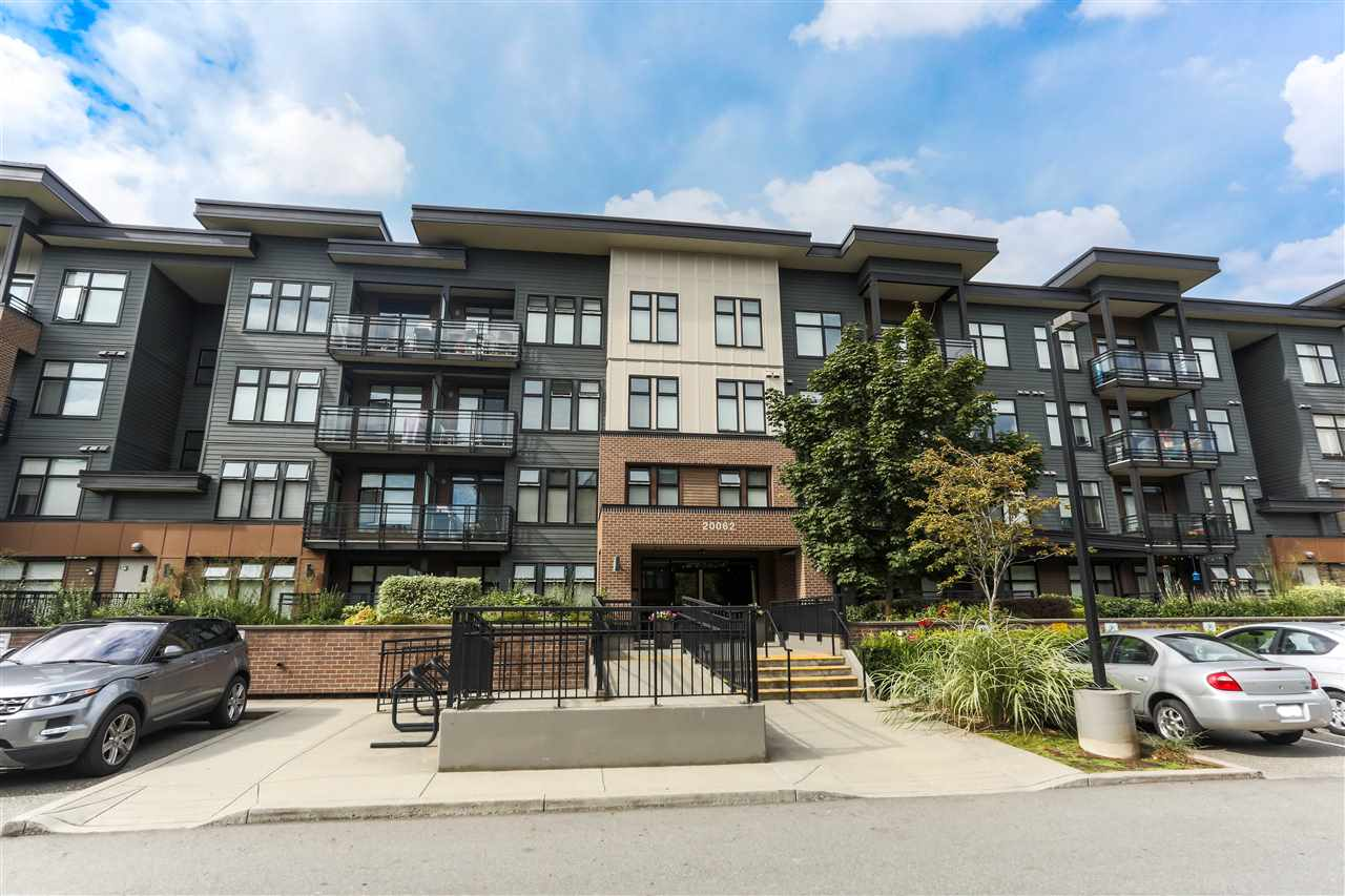 "Main Photo: 210 20062 FRASER Highway in Langley: Langley City Condo for sale in ""VARSITY"" : MLS® # R2208956"