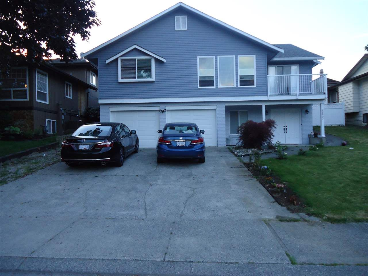 Photo 1: Photos: 32837 HARWOOD Crescent in Abbotsford: Central Abbotsford House for sale : MLS® # R2211745
