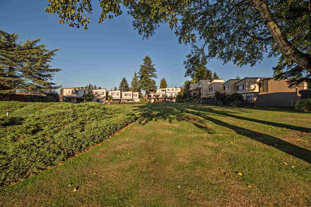 "Photo 9: Photos: 301 2445 WARE Street in Abbotsford: Central Abbotsford Townhouse for sale in ""Lakeside Terrace"" : MLS® # R2211732"