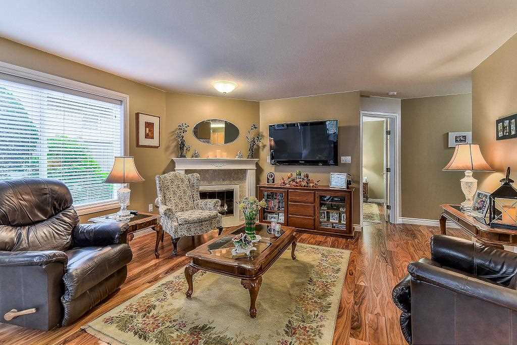"Photo 4: Photos: 101 1500 MERKLIN Street: White Rock Condo for sale in ""Cimarron"" (South Surrey White Rock)  : MLS® # R2213860"
