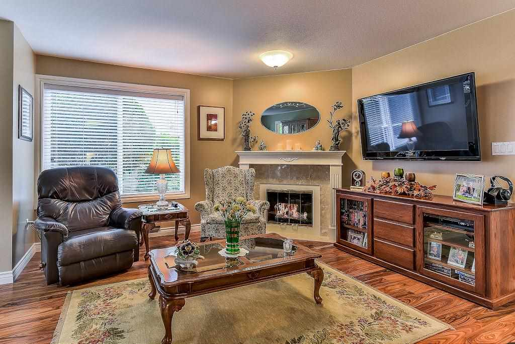 "Photo 7: Photos: 101 1500 MERKLIN Street: White Rock Condo for sale in ""Cimarron"" (South Surrey White Rock)  : MLS® # R2213860"