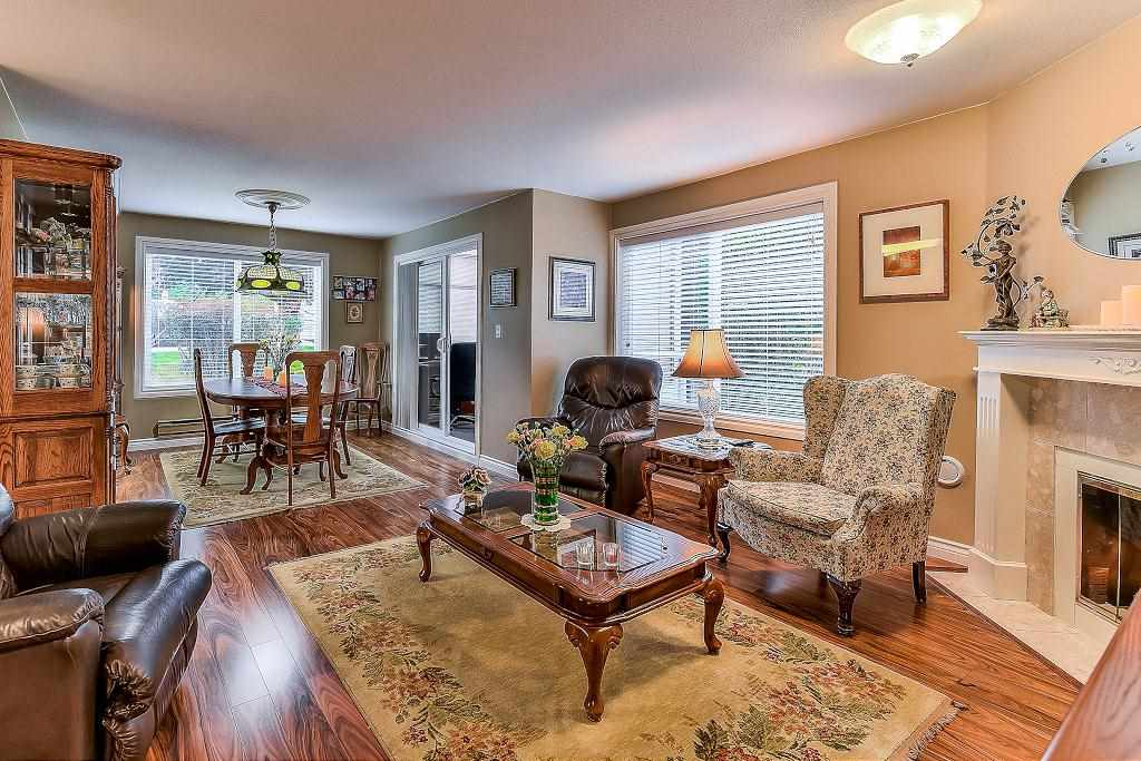 "Photo 3: Photos: 101 1500 MERKLIN Street: White Rock Condo for sale in ""Cimarron"" (South Surrey White Rock)  : MLS® # R2213860"