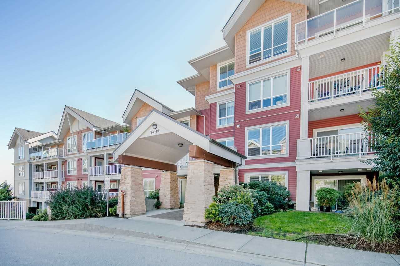 Main Photo: 305 6440 194 STREET in Surrey: Clayton Condo for sale (Cloverdale)  : MLS®# R2212050