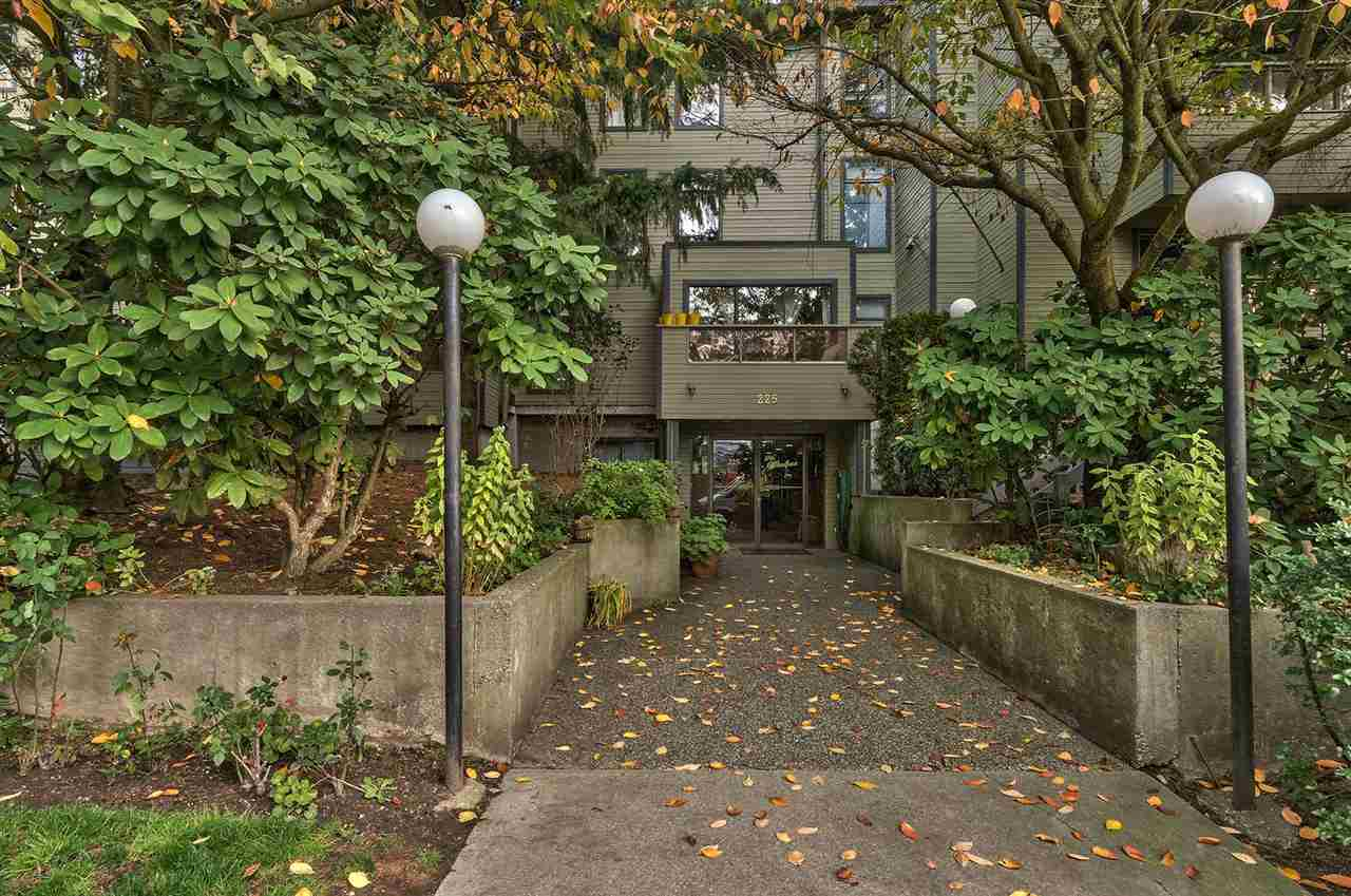 Main Photo: 207 225 MOWAT STREET in New Westminster: Uptown NW Condo for sale : MLS®# R2223362