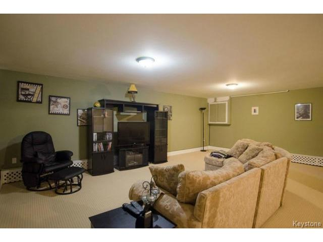 Photo 16: 103 Shier Drive in WINNIPEG: Charleswood Residential for sale (South Winnipeg)  : MLS(r) # 1326228