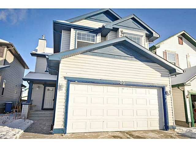 Main Photo: 33 MARTHA'S MEADOW Place NE in CALGARY: Martindale Residential Detached Single Family for sale (Calgary)  : MLS® # C3599734