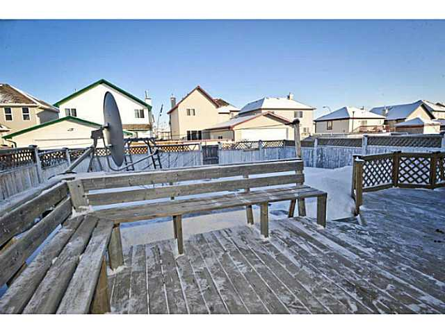 Photo 3: 33 MARTHA'S MEADOW Place NE in CALGARY: Martindale Residential Detached Single Family for sale (Calgary)  : MLS® # C3599734