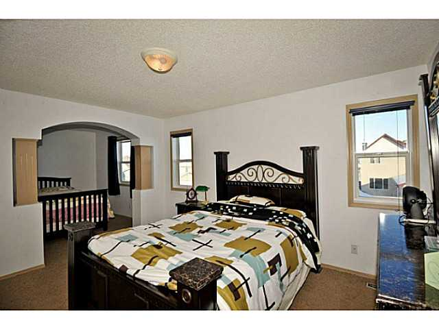 Photo 15: 33 MARTHA'S MEADOW Place NE in CALGARY: Martindale Residential Detached Single Family for sale (Calgary)  : MLS® # C3599734