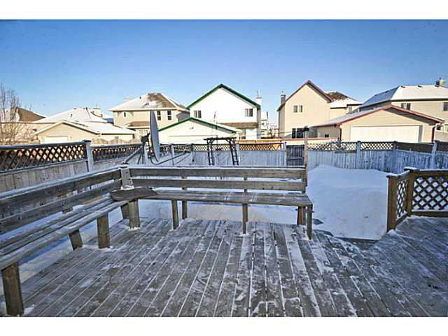 Photo 2: 33 MARTHA'S MEADOW Place NE in CALGARY: Martindale Residential Detached Single Family for sale (Calgary)  : MLS® # C3599734