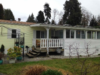 Main Photo: 14 4496 SUNSHINE COAST Highway in Sechelt: Sechelt District Manufactured Home for sale (Sunshine Coast)  : MLS® # R2032496
