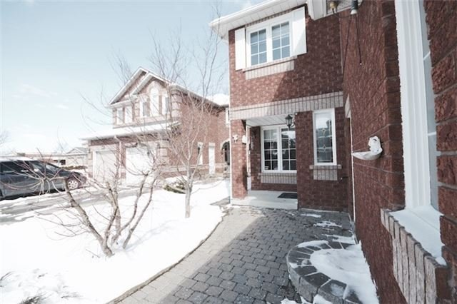 Main Photo: 39 Parkfield Court in Vaughan: West Woodbridge House (2-Storey) for sale