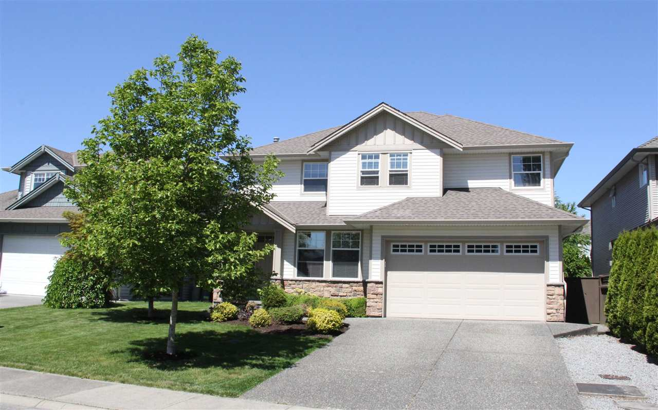 "Main Photo: 22371 49A Avenue in Langley: Murrayville House for sale in ""Hillcrest Area"" : MLS®# R2066487"