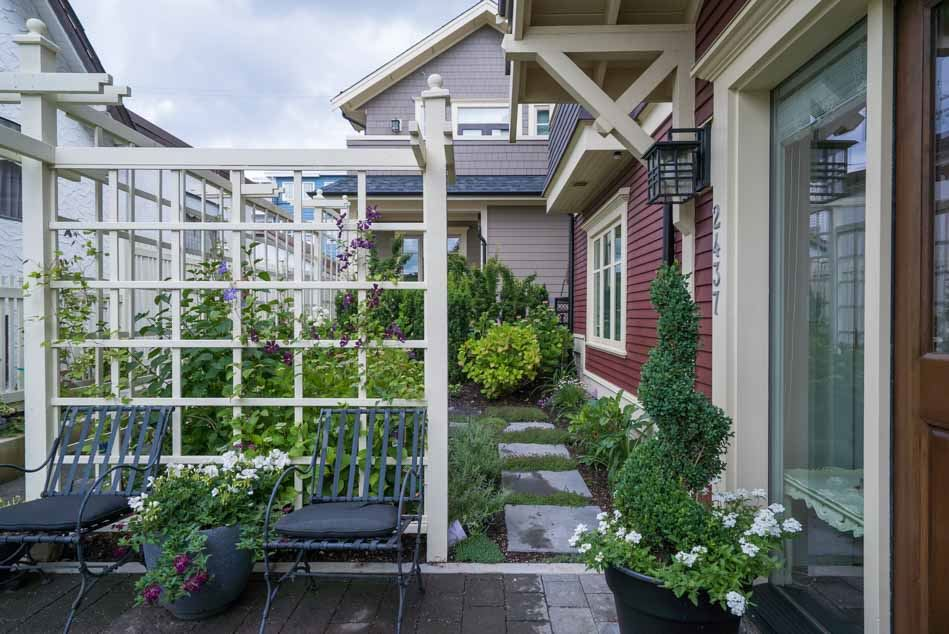 Photo 3: 2437 W 5TH Avenue in Vancouver: Kitsilano House 1/2 Duplex for sale (Vancouver West)  : MLS® # R2081967