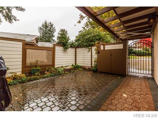 Photo 14: 33 901 Kentwood Lane in VICTORIA: SE Broadmead Townhouse for sale (Saanich East)  : MLS(r) # 371537