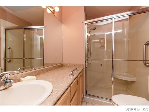 Photo 8: 33 901 Kentwood Lane in VICTORIA: SE Broadmead Townhouse for sale (Saanich East)  : MLS(r) # 371537