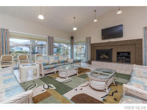 Photo 17: 33 901 Kentwood Lane in VICTORIA: SE Broadmead Townhouse for sale (Saanich East)  : MLS(r) # 371537