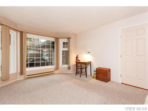 Photo 7: 33 901 Kentwood Lane in VICTORIA: SE Broadmead Townhouse for sale (Saanich East)  : MLS(r) # 371537