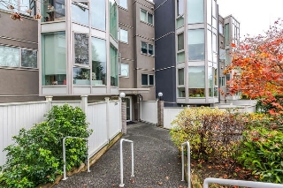 "Main Photo: 208 2238 ETON Street in Vancouver: Hastings Condo for sale in ""Eton Heights"" (Vancouver East)  : MLS® # R2121109"