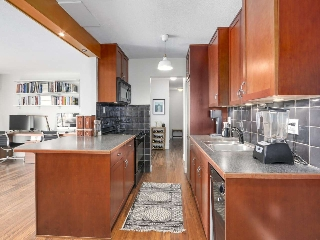 "Main Photo: 307 3787 W 4TH Avenue in Vancouver: Point Grey Condo for sale in ""Andrea Apartments Ltd."" (Vancouver West)  : MLS(r) # R2154616"