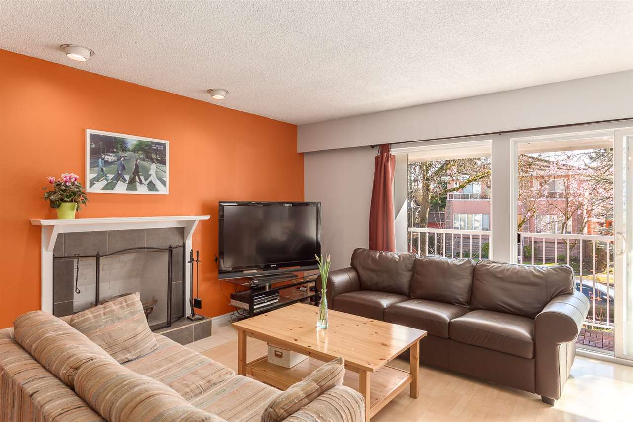 Photo 2: 4955 SOMERVILLE Street in Vancouver: Fraser VE House for sale (Vancouver East)  : MLS® # R2156818