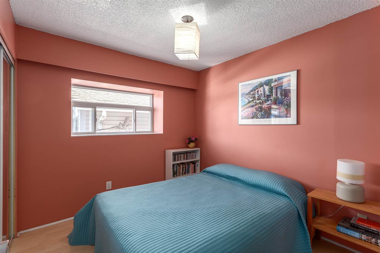 Photo 9: 4955 SOMERVILLE Street in Vancouver: Fraser VE House for sale (Vancouver East)  : MLS® # R2156818