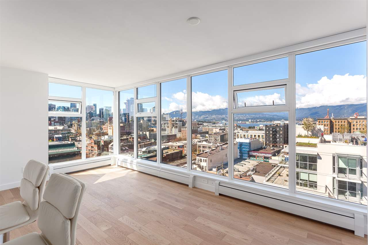 "Main Photo: 1605 188 KEEFER Street in Vancouver: Downtown VW Condo for sale in ""188 KEEFER"" (Vancouver West)  : MLS(r) # R2160514"