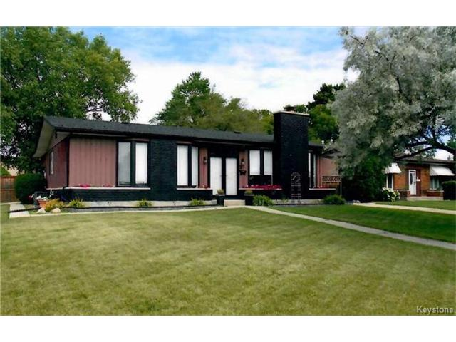 FEATURED LISTING: 2 Chatsworth Place Winnipeg