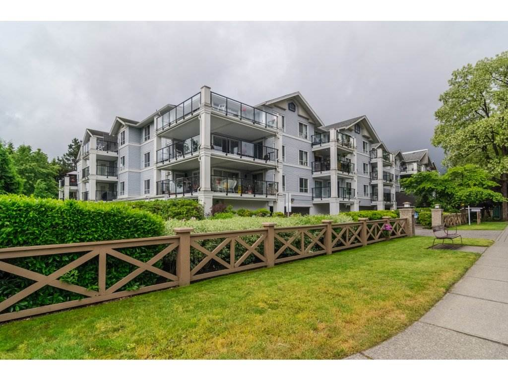 "Main Photo: 102 20976 56 Avenue in Langley: Langley City Condo for sale in ""Riverwalk"" : MLS® # R2170905"