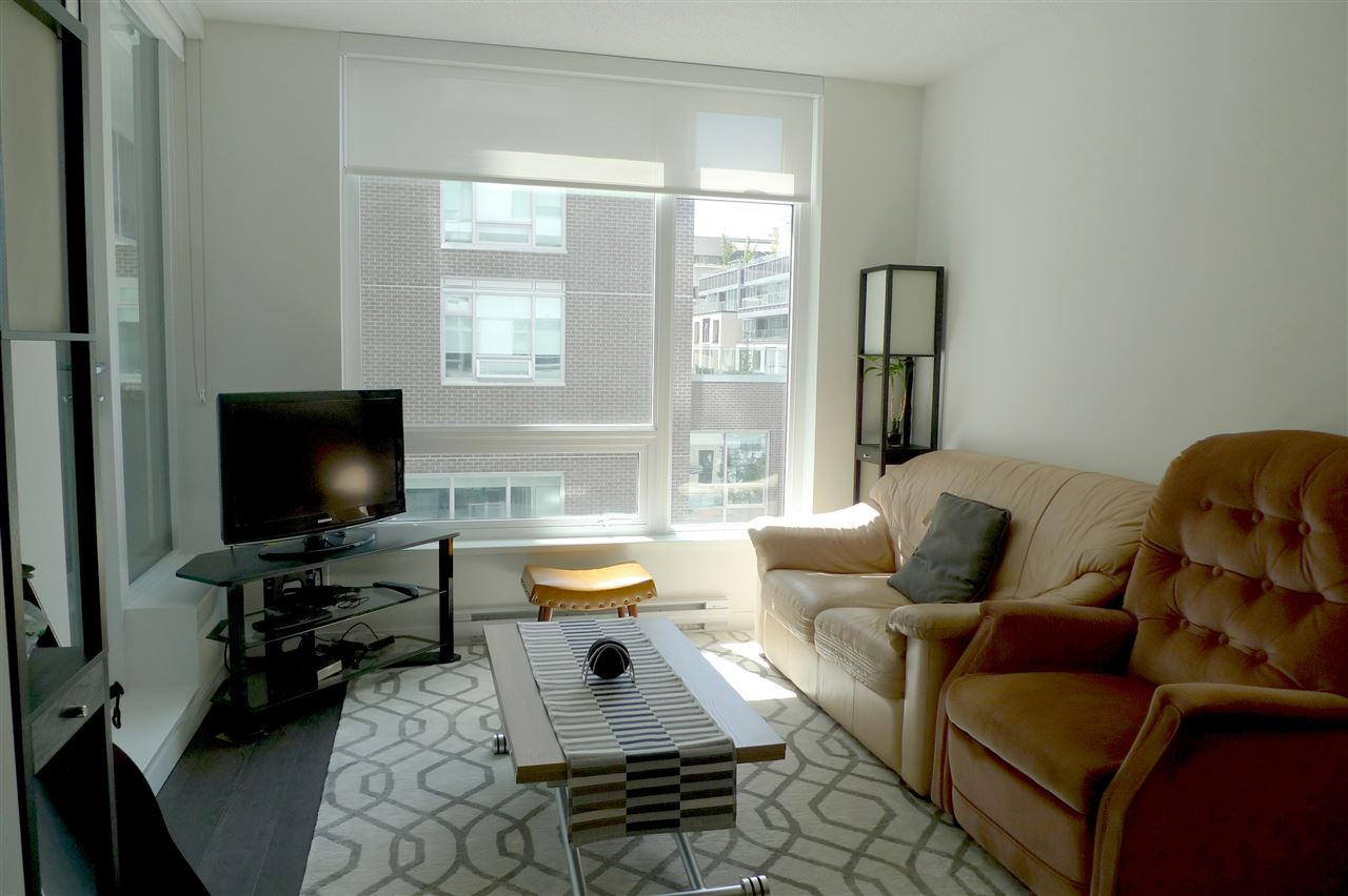 Photo 3: 308 5515 BOUNDARY ROAD in Vancouver: Collingwood VE Condo for sale (Vancouver East)  : MLS(r) # R2184017