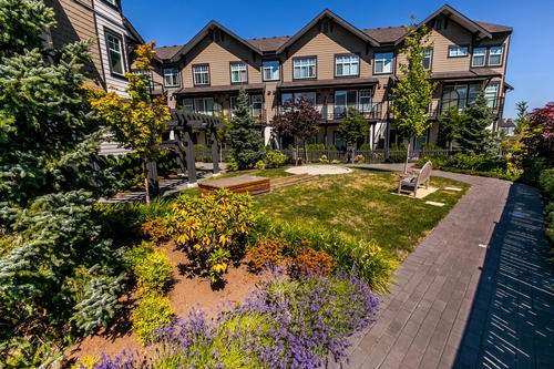 "Photo 19: 19 6088 BERESFORD Street in Burnaby: Metrotown Townhouse for sale in ""HIGHLAND PARK"" (Burnaby South)  : MLS® # R2205452"